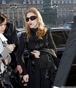 Why Was Madonna Booed In Paris?